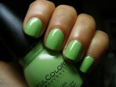 Miss Nail Polish: Sinful Colors Pistache