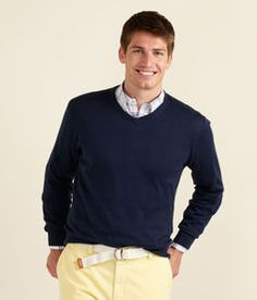 Vineyard Vines V-neck sweater, Rob.