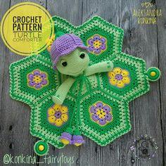 Alexandra Konkina | VK Crochet Security Blanket, Crochet Lovey, Cute Crochet, Crochet For Kids, Crochet Toys, Knitting Patterns, Crochet Patterns, Crochet Turtle, Turtle Pattern