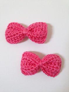 Crochet hair bows - pink 100% cotton £3 per pair