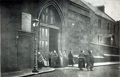 Women prisoners being discharged from Duke Street Prison in The prison held convicted women prisoners from across the central belt of Scotland during the first half of the century. Uk History, London History, Women In History, Family History, Glasgow City, Glasgow Scotland, England And Scotland, Gorbals Glasgow, The Second City