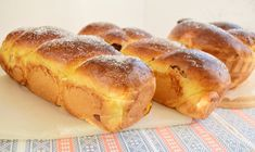 Jacque Pepin, Loaf Cake, Hot Dog Buns, My Recipes, Bread, Cooking, Romania, Cupcakes, Knitting