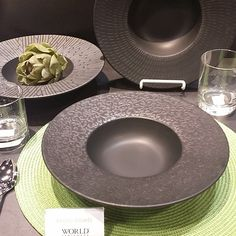 Even though it's the last day of the show, there's still time to check out the cool new products from @Libbey_Glass …like their new PRETO bowls …..#striking  #TabletopMatters at the @NRASHOW