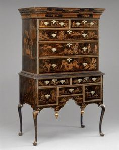 High Chest of drawers, Colonial New England, 1730-40. Museum of Fine Arts, Boston.