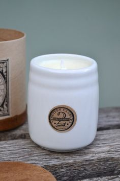 19 Candles Oro Blanco Candle - porcelain candles, handmade and eco friendly, and smells unbelievable! 4 fragrances.