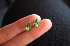 https://www.etsy.com/listing/172992678/green-crystal-studs-earrings-light-green?ref=shop_home_active_21