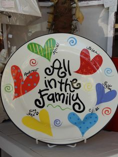 {MOTHER'S DAY}}Family platter features each person's name---even the pups! Crayon Crafts, Sharpie Crafts, Sharpie Art, Sharpie Markers, Crayon Art, Pottery Plates, Ceramic Plates, Pottery Art, Painted Pottery