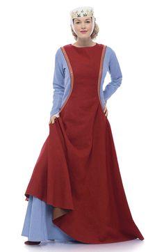 Schlichtes, rotes Höllenfensterkleid über blassblauem Kittel