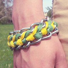Yellow-Green-Bracelet. (in German)