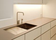 5130 cosmopolitan white caesarstone 2015 collection for Arbeitsplatte unterbau