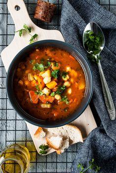Rozgrzewająca zupa z ciecierzycy | Kawa i Czekolada Soup Recipes, Vegan Recipes, Curry, Food And Drink, Dinner, Food Styling, Ethnic Recipes, Soups, Photography