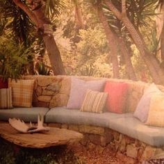 From Spring 2012 issue of Small Gardens by Country Decorating Ideas. Page 92.