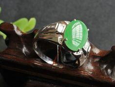 Full Green Jadeite Ring : Jadeite jewelry is one kind of precious jade jewelry which has been loved for thousands years. It is famous for its lasting luster and precious quality | walteryy