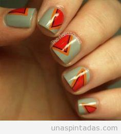 Diseño uñas triángulos
