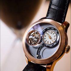 The Tri-Axial Tourbillon, limited edition of 10 pieces. First axis 60 seconds. Second axis 30 seconds. Third axis 120 seconds. #tourbillon #triaxial #horloger #girardperregaux #hautehorlogerie #horlogerie #timepiece #womw #wotd #watches #watchgeek #watchnerd #watchporn #watchcollector #watchmaker #uhren #reloj #relogio #orologi #luxury #luxurywatches #limitededition #craftsmanship #innovation