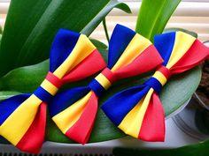 Fundițele pentru piept și papioanele tricolore din această postare sunt destinate Zilei Naționale a României. Pot fi purtate ...