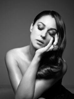 Monica Bellucci for L'Officiel 2013, by Taki Bibelas - Monica Bellucci
