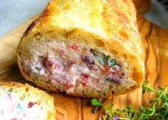 Recette : Baguette farcie au fromage à la crème et saumon fumé.