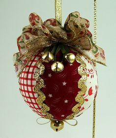 Quilted Christmas Ball Ornament PDF Tutorial ... NEW ... NO Sewing. $7.00, via Etsy.