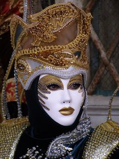 Venice Carnevale Masks and Costumes Board. Golden hat. Venice Carnival 2015 by Lesley McGibbon