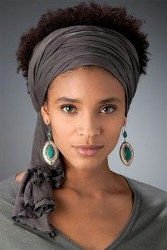 Super how to wear a scarf in your hair head wraps headscarves ideas Moda Afro, Curly Hair Styles, Natural Hair Styles, Natural Beauty, African Head Wraps, Head Wrap Scarf, Scarf Hairstyles, Black Hairstyles, Braided Hairstyle