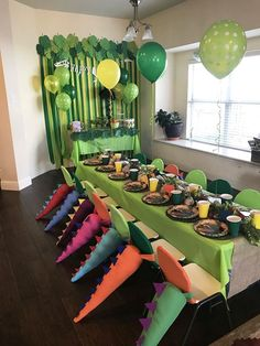 Planning a birthday party for your kids? Check out this DIY dinosaur party! You can't miss this and other party ideas for kids. Fourth Birthday, 4th Birthday Parties, Birthday Party Decorations, Birthday Ideas, Birthday Board, Cake Birthday, Dinosaur Party Decorations, 1st Birthday Party Ideas For Boys, Dinosaur Party Activities