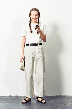 Fashion style girl trousers 43 Ideas for 2019 Girl Fashion, Fashion Dresses, Womens Fashion, Ladies Fashion, Fashion Images, Fashion Trends, Fashion Inspiration, Margaret Howell, Minimal Fashion