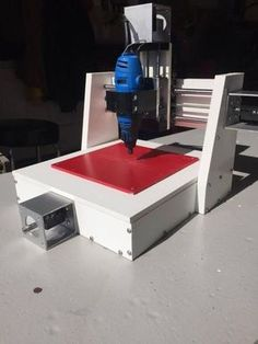 """The main material in this mill is HDPE plastic, or """"puckboard."""" It is machine-friendly and can be cut with hand tools as well."""