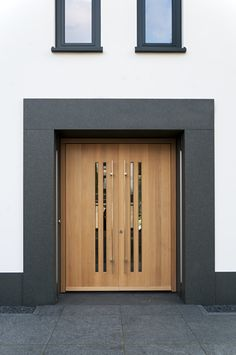 Exterior wood cladding interior design 53 ideas for 2019 Modern Entrance Door, Main Entrance Door Design, Modern Front Door, Wood Front Doors, Front Door Entrance, Entry Doors, Door Wood, Home Door Design, Door Gate Design
