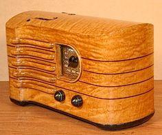 "EMERSON Model CH-256 ""Stradivarius"" Art Deco Radio (1939) $1,500www.SELLaBIZ.gr ΠΩΛΗΣΕΙΣ ΕΠΙΧΕΙΡΗΣΕΩΝ ΔΩΡΕΑΝ ΑΓΓΕΛΙΕΣ ΠΩΛΗΣΗΣ ΕΠΙΧΕΙΡΗΣΗΣ BUSINESS FOR SALE FREE OF CHARGE PUBLICATION"