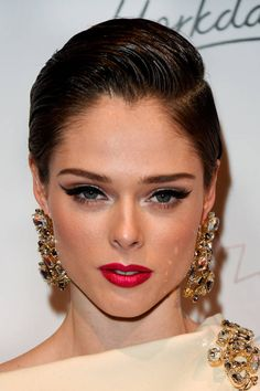 How-to get Coco Rocha's retro cat eye in Today's Beauty Secret