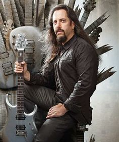 Stringdom selvaggio con John Petrucci: Riconoscere Forme Tastiera ripetitive su Tutti i Gruppi di stringhe | Guitar World