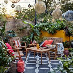 Great Small Garden Ideas, Small Garden Design, Patio Design, Tiny Garden Ideas Patio, Small North Facing Garden Ideas, Budget Garden Ideas, Cheap Garden Ideas, Boho Garden Ideas, Garden Sofa