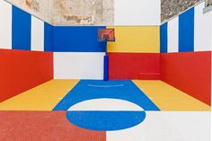 Pigalle Duperre and Ill Studio Paris Basketball Court Multi-coloured Installation Piet Mondrian, Basketball Uniforms, Sports Basketball, Basketball Players, Custom Basketball, Basketball Drills, Sport Football, Ill Studio, Pigalle Basketball
