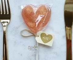A Sweet Caroline Confections Exclusive Gorgeous rose gold lollipops with gold pearl effect and edible gold glitter. Inexpensive Wedding Favors, Unique Wedding Gifts, Wedding Favors For Guests, Gift Wedding, Trendy Wedding, Wedding Ring, Wedding Ideas, Wedding Favor Sayings, Wedding Welcome Bags