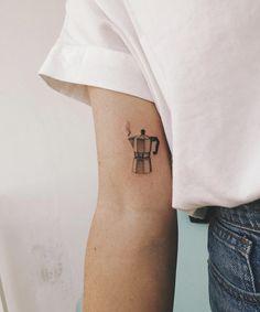 Mini Tattoos, Body Art Tattoos, Small Tattoos, Cool Tattoos, Tatoos, Coffee Cup Tattoo, Coffee Tattoos, Kunst Tattoos, Neue Tattoos