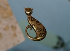 Unique JJ Siamese Brass With Spots Brooch Long by LeTreasurelat