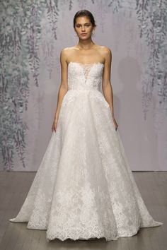Fall 2016 Monique Lhuillier Madelyn at L'elite Bridal Boston 617.424.1010