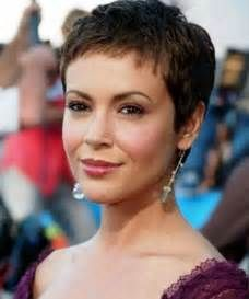 12 Short Hairstyles For Round Faces: Women Haircuts | Popular Haircuts In Wispy Short Haircuts ...