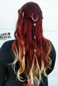 Blonde Highlights: Perfect Hair Dyeing Technique For Any Hair Style - rote Frisuren Red Hair Color, Cool Hair Color, Blonde Highlights, Black Hair Yellow Highlights, Black To Red Hair, Aesthetic Hair, Grunge Hair, Hair Pictures, Pretty Hairstyles