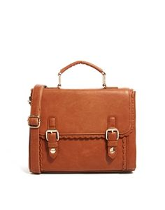 love love love this bag..probably going to buy it!