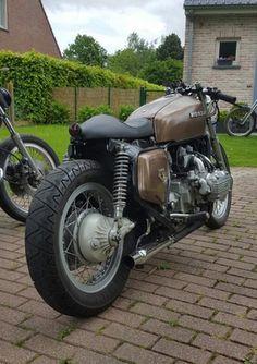 www.2dehands.be/motoren/honda/honda-gl1000-caferacer     Origineel: Honda GL1000   Bouwjaar: 1977     Origineler:   ...