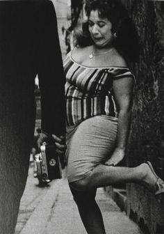 vintage everyday: 30 Amazing Photographs Portrayal Everyday Life in the Red-light District of Barcelona from between the and Red Photography, Monochrome Photography, Black And White Photography, Alberto Garcia, Miami Street, Spanish Eyes, Brassai, Red Light District, Photographer Portfolio