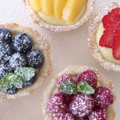 Easy Mini Desserts For A Crowd; Easy Desserts For Christmas Lunch Tart Recipes, Sweet Recipes, Dessert Recipes, Cooking Recipes, Mini Desserts, Just Desserts, Fresh Fruit Tart, Mini Fruit Tarts, Dried Fruit