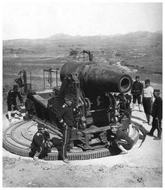 At the Siege of Port Arthur in the Russo-Japanese War (1904-1905), Japanese forces mobilized coastal defence guns in order to bombard the town. This tactic influenced the usage of heavy artillery in WWI.