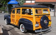 1946 Ford Super Deluxe woody - dark blue - rvl | Lake Arrowh… | Flickr