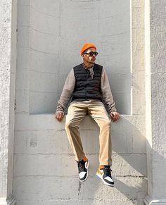 Follow us on instagram for street fashion inspiration! Men Street, Street Wear, What To Wear, Hipster, Street Style, Style Inspiration, Photo And Video, Orange Juice, Gallery
