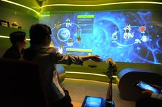 Classroom of the Future 3.0 | Using kinetics to manipulate the display.