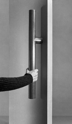 Sometimes it is about size: Tom Kundig's  Bongnormous Door Hardware.