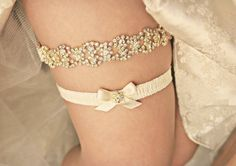Gold Rhinestone Garter Set - Gold and Silver Wedding Garter, gold garderbelt, Gold garder gold bling garter wedding garder set, gold garters, bridal garter wedding accessory Wedding Garter Lace, Rhinestone Wedding, Gold Rhinestone, Bling Wedding, Wedding Shoes, Dream Wedding, Bridesmaid Accessories, Bridal Accessories, Shoe Clips